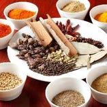 20種類以上の様々なスパイスをご用意◎【インド、ネパール】