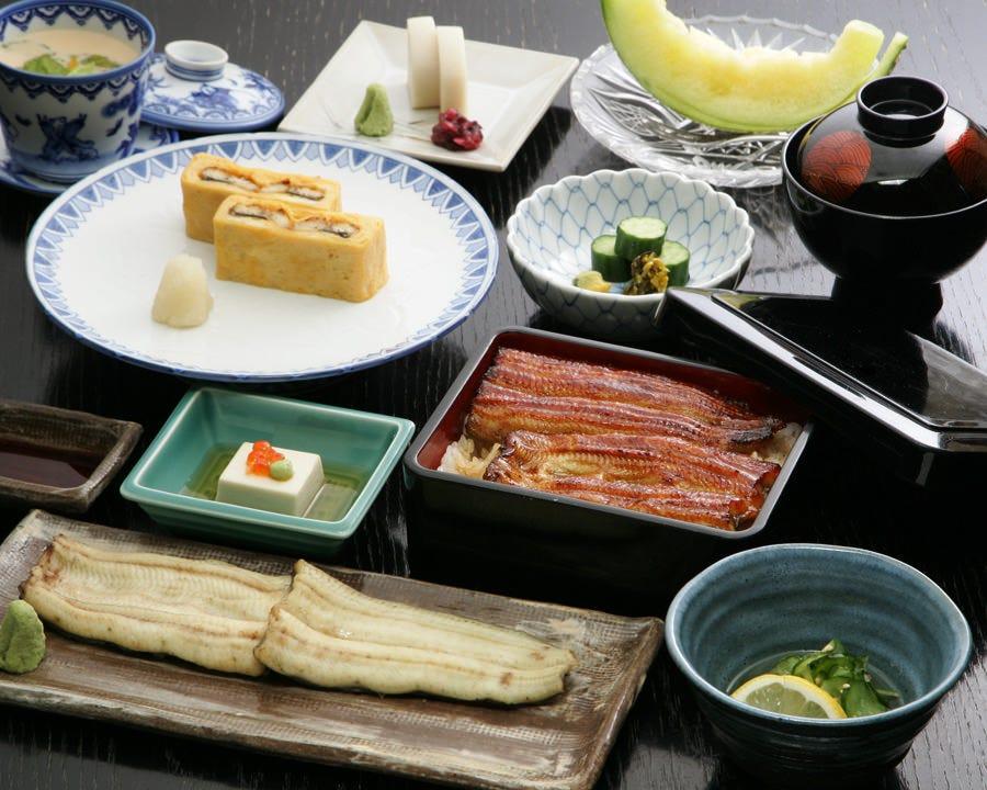 蒲焼・白焼・う巻など前川の鰻を堪能し尽くせるコース料理。