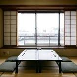 凛とした風情が漂う個室。ご接待やご会食に最適。