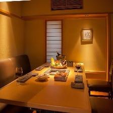 落ち着いて食事を楽しめるゆとり空間