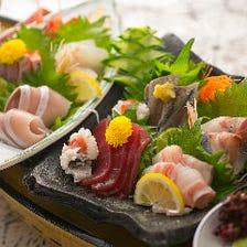 迷ったらこちら!もつ鍋や豚しゃぶなど選べる鍋や海鮮9種舟盛りを堪能『梅コース』<飲み放題付・全7品>