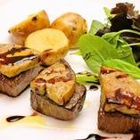ステーキや国産牛を使用したお料理、お寿司などもご堪能頂けます