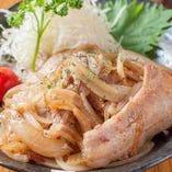 生姜のアクセントと肉の旨み・脂の甘さを味わう生姜焼き