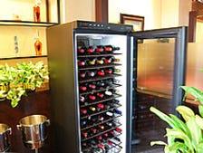 常時100種類以上のワインをご用意