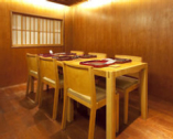 完全個室 4名席(2〜4名様)が3つ ご用意致します。