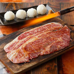 和牛リブロースの炙り焼き 肉寿司