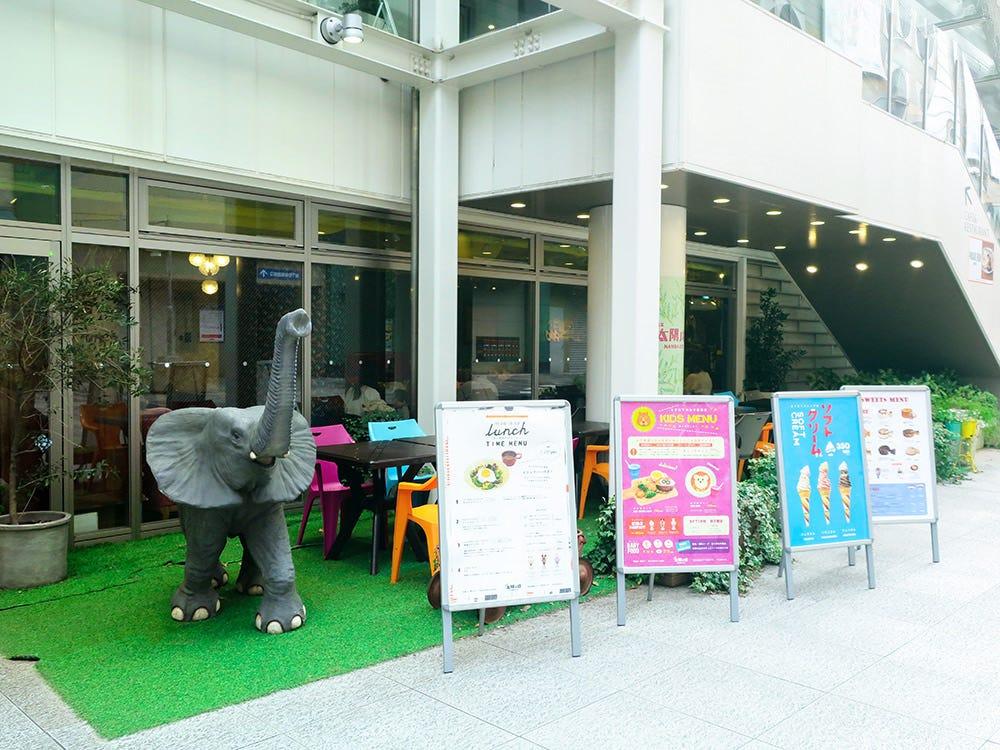 cafe太陽ノ塔なんばCITY店外観