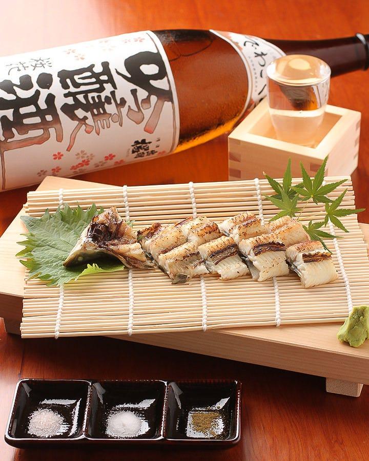 うなぎの白焼きと日本酒と