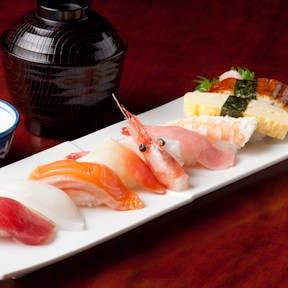 熟練の職人が握るお寿司「上にぎり」はネタの変更も可能です。
