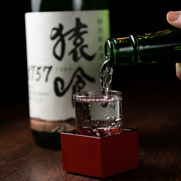 地酒をはじめ多彩な美酒を取り揃え