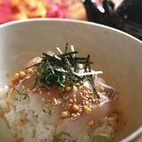 〆の1品に。真鯛のお茶漬け650円(税抜き)