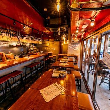 ワインバル 青木酒店 横浜西口店 店内の画像