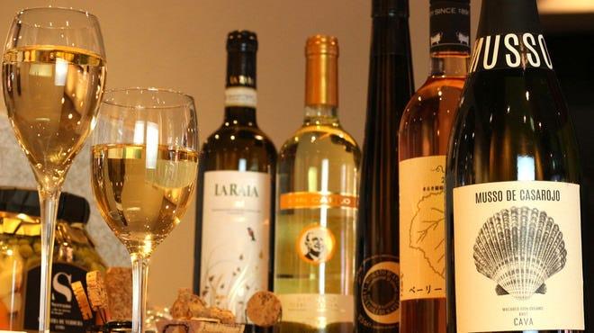 ソムリエが選んだ世界各地のワイン!