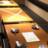 他のお客様と距離感◎席間隔をしっかりと開けてお席へご案内!