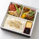 牛ロースハンバーグ&カツレツ弁当 (前日までに要予約)  1700円