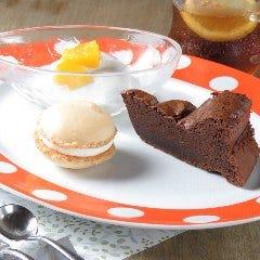 本日のデザート(ケーキ、プリンなど)