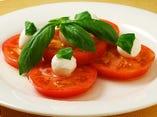 トマトと生モッツァレラチーズ