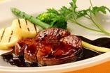 牛ヒレ肉のソテー  マルサラ酒ソース