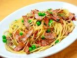 スパゲッティ ハムとグリンピースの塩味
