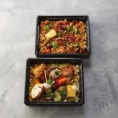 ローストビーフ・チキン・野菜と魚介と鶏肉のミックスパエリア