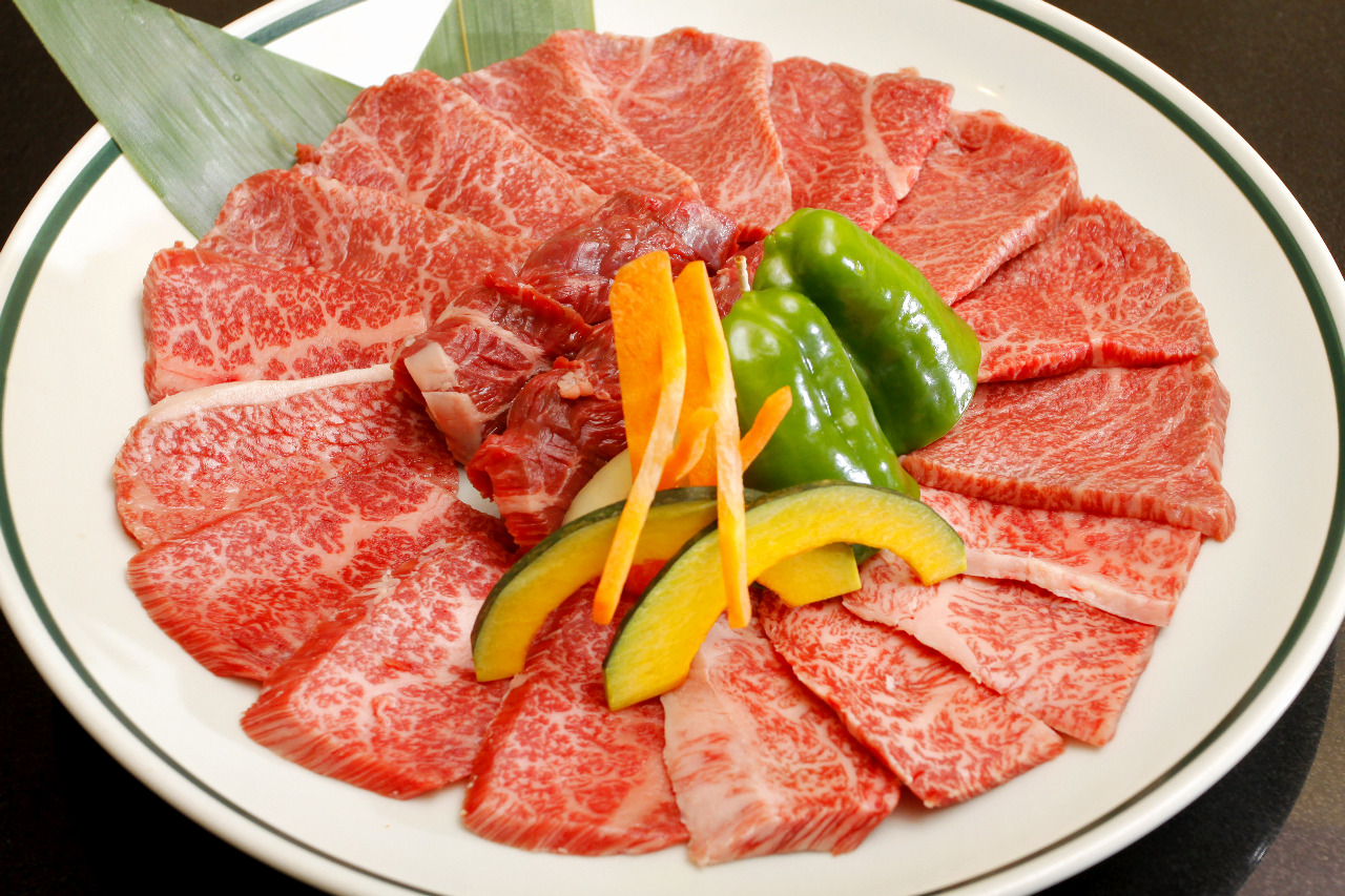 赤身三種盛り(500g)+野菜3980円!!