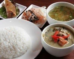 ◇ゲーンキョオワーン1000円◇鶏肉と野菜のグリーンカレー