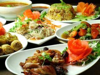 タイ人シェフによる本格タイ料理