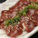 【馬肉】 本場熊本から直送仕入れしている自慢の馬肉料理を