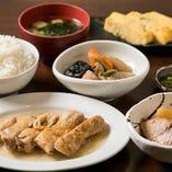 〈御膳〉 和風チキンステーキも味わえる、京のぜいたく御膳