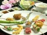 季節や新鮮な食材にこだわり ぬいた串揚げ料理をご堪能下さい!