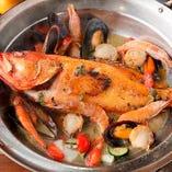 【お魚】 豊洲市場から直送する鮮魚を特大アクアパッツァに