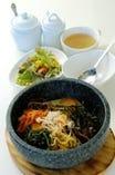 石焼ピビンバ (通常、明太子、チーズ、納豆)から選択できます!