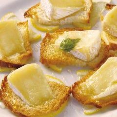 焼きカマンベールのハチミツソース