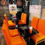 受動喫煙防止条例により、2F席は、喫煙可、飲食可のスペースに