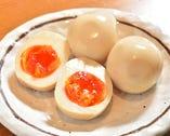 会津赤玉子の濃厚で雑味が少ない旨さを味わう為、あえて薄味に。