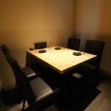 落ち着いた雰囲気の個室は、接待でのご利用にも便利です