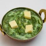 ほうれん草と自家製チーズのカレー