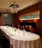 少人数での会食に。個室は最大20名様までご利用可能です。
