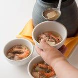 佛跳牆とは、福建料理の伝統的な高級スープ