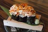 ぶつ切り炙りサーモンのっけ盛り寿司