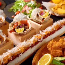新年会に【映える!】「サーモンユッケ寿司&大貝のつぼ焼きコース」7品≪2h飲み放題付≫5000円→3980円