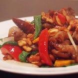 鶏肉とカシューナッツの炒め(ガイ・パット・メット・マムアン)