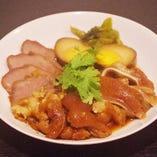 豚の煮込み盛り(モーパロー)