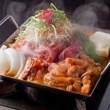 豚鶏牛の肉三昧ミックス鉄板鍋