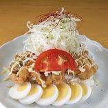チキンバンバン 780円 ポテトサラダの上にチキン南蛮が!