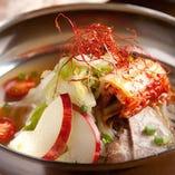 コクのあるスープが美味 しい盛岡冷麺も人気です♪