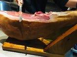 スペイン、トレべレス産ハモンセラーノ(生ハム)16ヶ月熟成