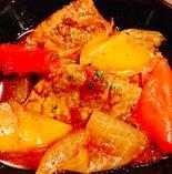 鶏モモ肉の柔らかなトマト煮、スペイン名物チリンドロン