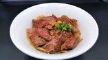 山形牛ステーキ丼(平日数量限定)