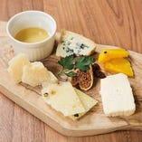 イタリアチーズ盛り合わせ